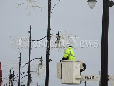 12-01-14 NEWS Bridge lights