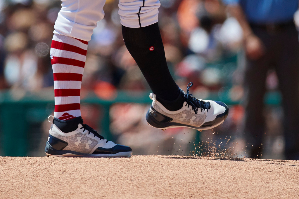 . Detroit Tigers starting pitcher Justin Verlander (35) kicks dirt on the pitchers mound during the first inning against the Cleveland Indians of a baseball game in Detroit, Sunday, July 2, 2017. (AP Photo/Rick Osentoski)