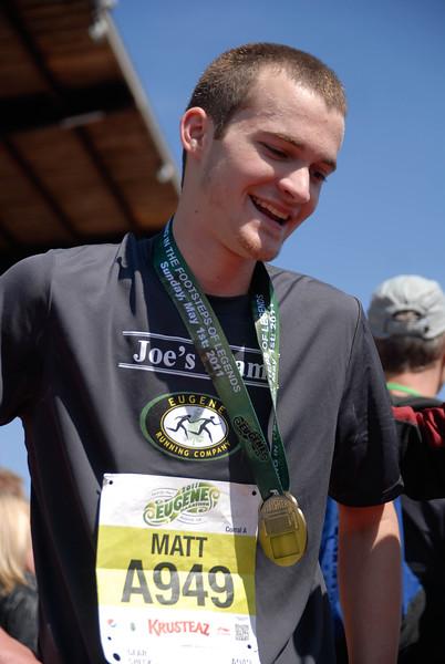 Joe's Team_EugeneMarathon2011_114.jpg