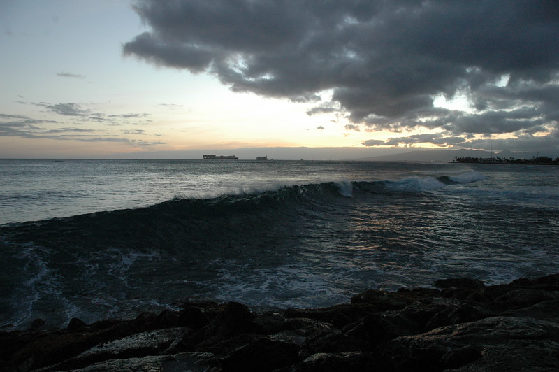 Hawaii - Ala Moana Beach Sunset-142.JPG