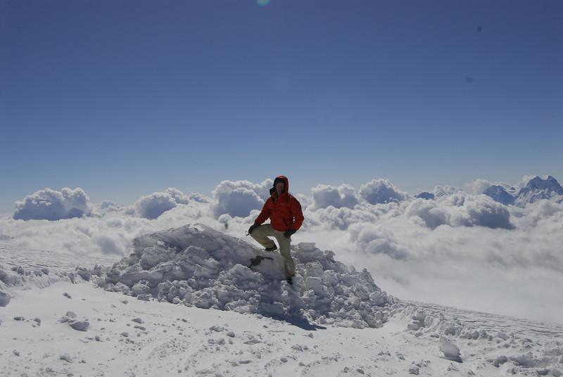 080502 2042 Russia - Mount Elbruce - Day 2 Trip to 15000 feet _E _I ~E ~L.JPG