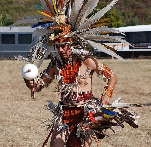 EarthDayLatino_AztecCeremony_2011--04-15_16.JPG