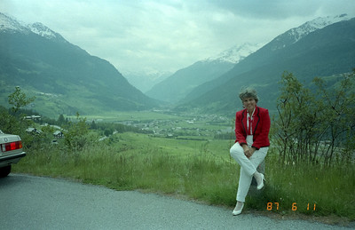 Down below the snow line arriving into this bucolic and lush valley.  Martha again adding a bit of class to the scene!