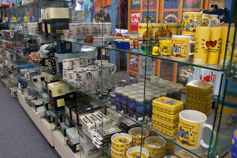 Git yer Monterey souvenirs here!