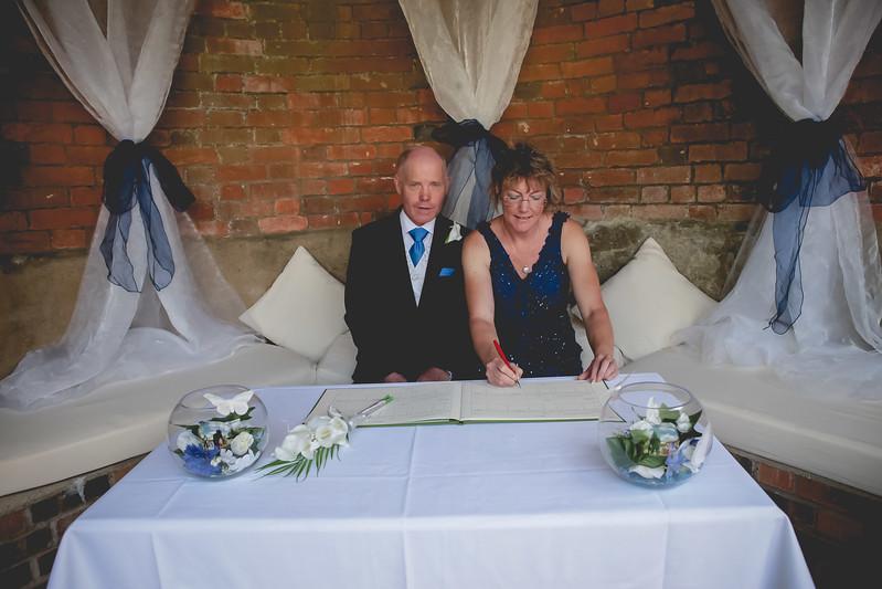 Mr and Mrs -60.jpg