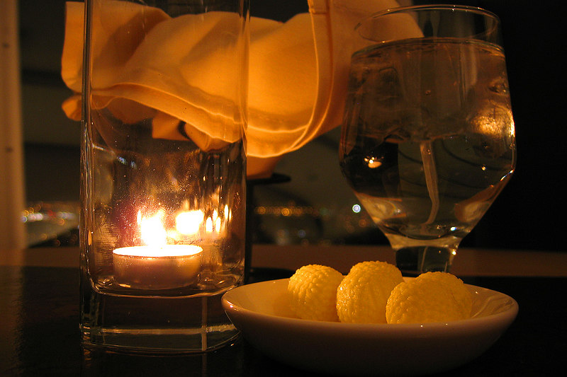 Cly couldn't resisit taking this picture of the butter balls.  We were having dinner in the Panorama dining room for our 3rd anniversary.