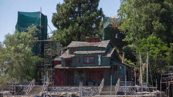 Disneyland Resort, Disneyland, Frontierland, Tom Sawyer Island, Lafutte, Tavern, Harpers, Mill, Paint, Color, Scheme