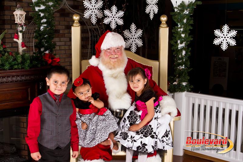 Santa Dec 8-211.jpg