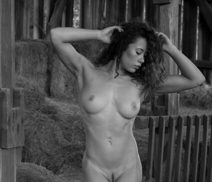2016 07 Rustic Nude w Tara img_5284.JPG