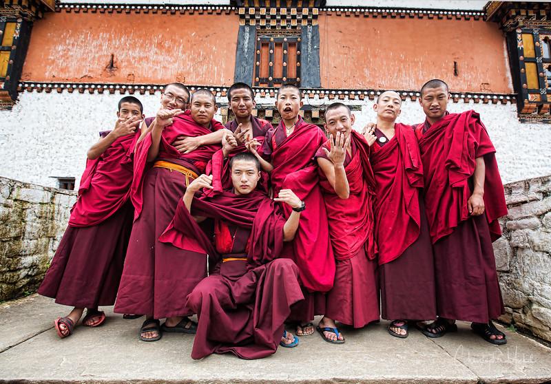 paro_zuri-dzong_rinpung-dzong_20120916_5627.jpg