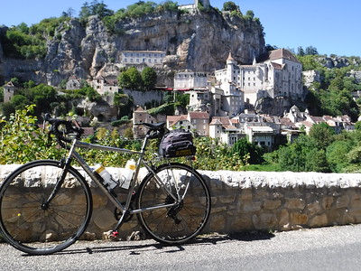 Cycling the Dordogne Plus! the Vineyards of Bordeaux 2019 Sep 3