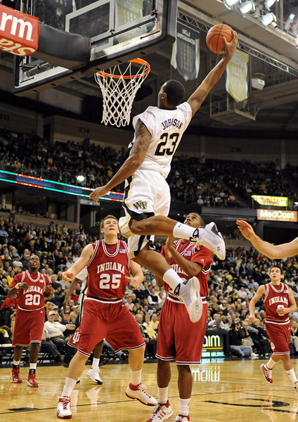 Johnson dunk.jpg
