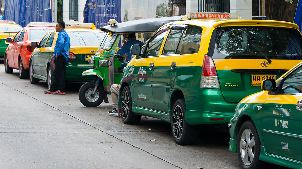 Taxis near Bangkok's River City Mall