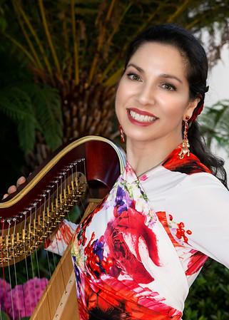 Anna Maria Mendieta, harp