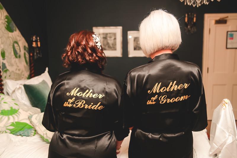 Mr & Mrs Thompson-8.jpg