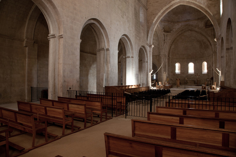 Sénanque, Notre- Dame Abbey Nave and Apse
