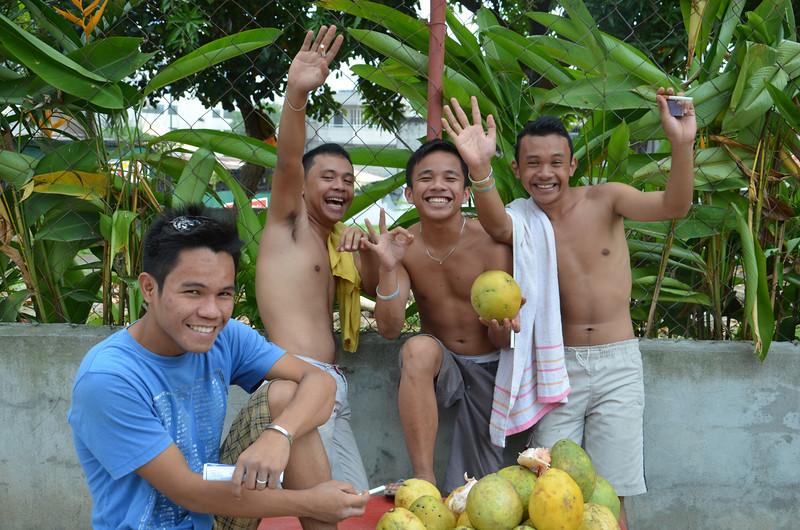 DSC_7624-fruit-guys.JPG