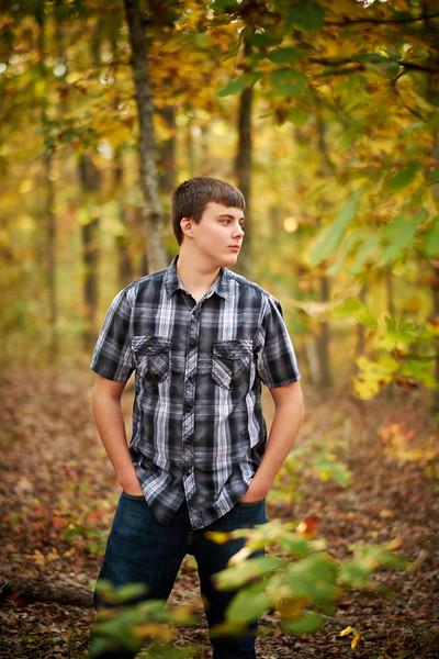 Rhyder-Senior-Portrait-Outdoors-Jefferson-City-MO-Blue-Photos-1.jpg
