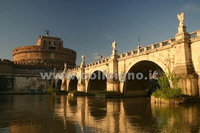ROME - CITY EXTERIORS (SQUARES, STREETS, ALLEYS, ETC.)