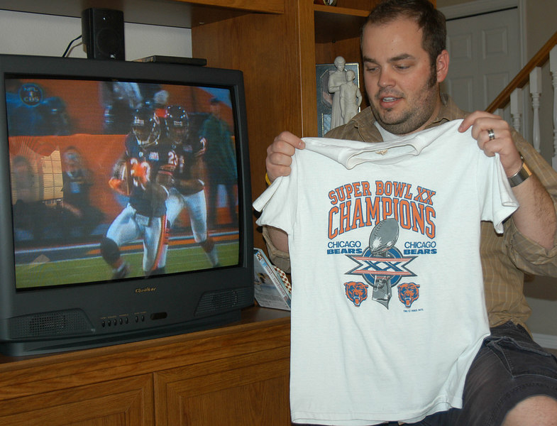 2/4/07 – Today was Super Bowl Sunday – the Bears vs. the Colts. The Last time the Bears played in the Super Bowl was 21 years ago, which they won. We were living in Chicago then. We bought this t-shirt for Logan who was 3 years old. He was small enough it went to his feet. He's grown out of it now.