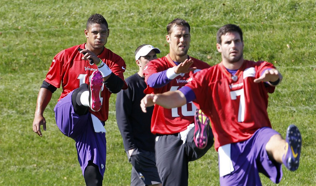 ". <p>5. MATT CASSEL, CHRISTIAN PONDER & JOSH FREEMAN <p>Sad, sadder and sadist. <p><b><a href=\'http://nfl.si.com/2013/10/16/josh-freeman-starting-minnesota-vikings/\' target=""_blank\""> HUH?</a></b> <p>    (AP Photo/Ann Heisenfelt)"