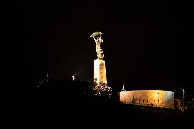 Statue of Liberty Budapest.jpg