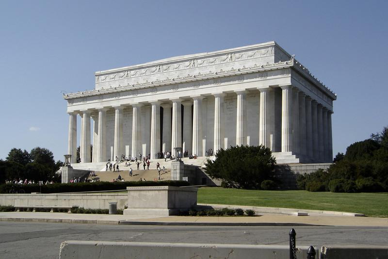 DAY 5 - Lincoln Memorial