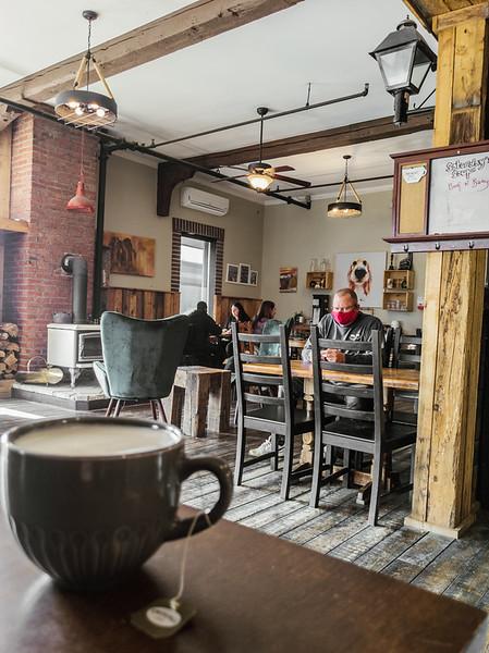 Jimolly Cafe-5.jpg