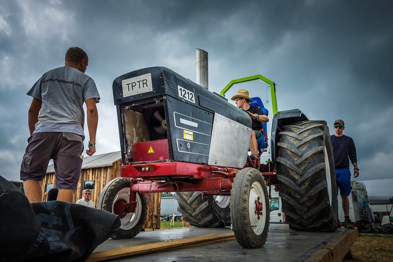 Tractor Pulling 2015 XE2-2476.jpg
