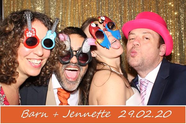 Jennette + Barn