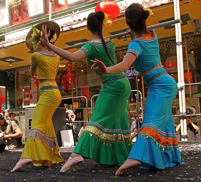 dancerspointedtoeflick1600.jpg