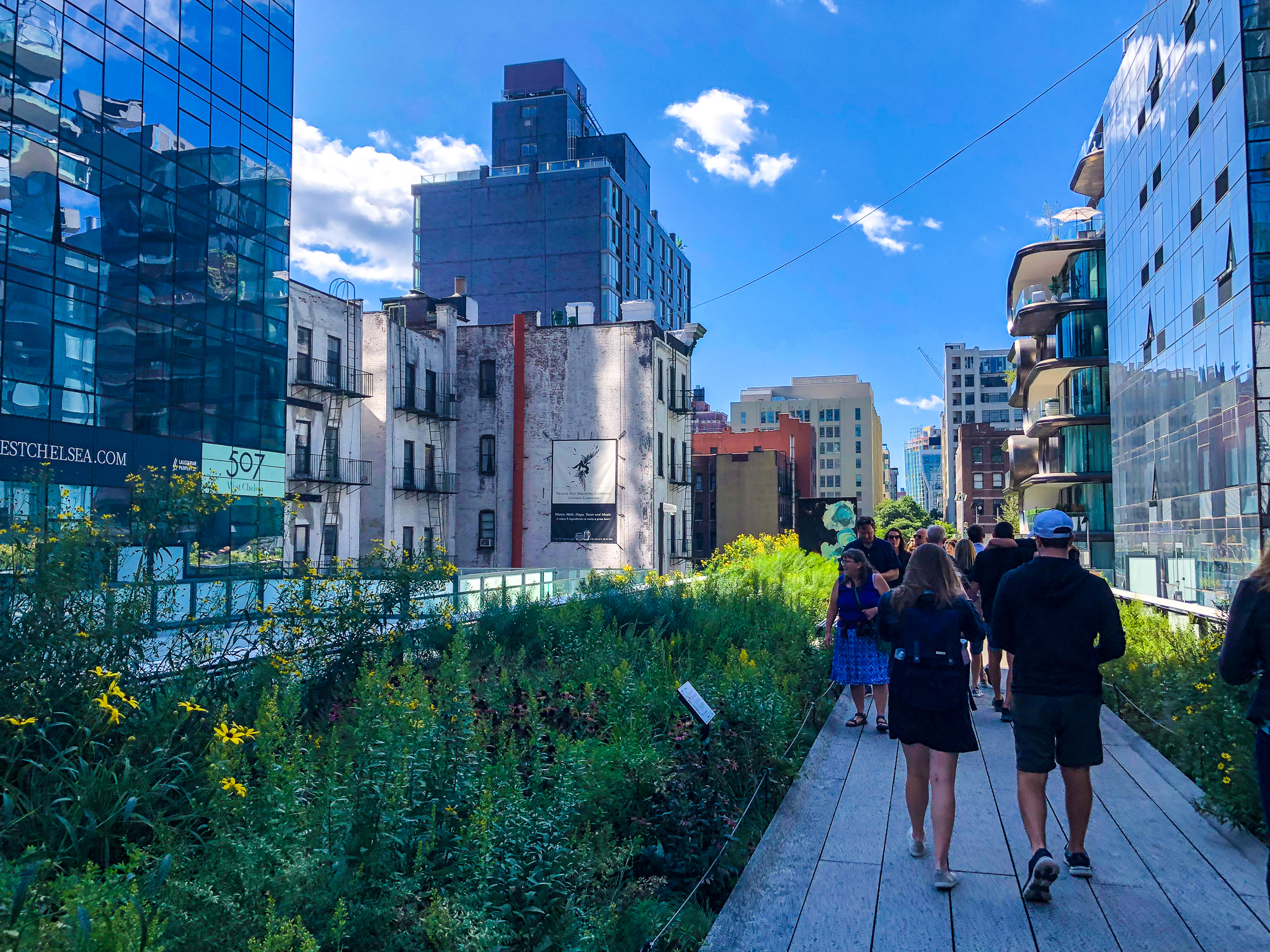 solo travel in your 30s: go to nyc and walk the highline