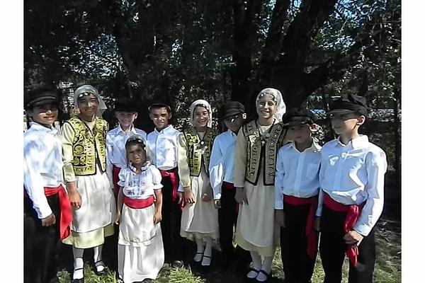 2012-08-19-HT-Greek-Dancers-in-Weirton_002.jpg