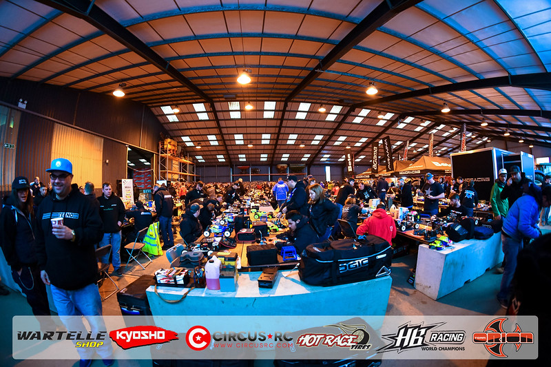 neo race track pits29.jpg