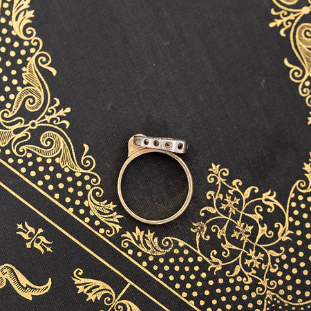 .25ctw Heart Buckle Motif Ring