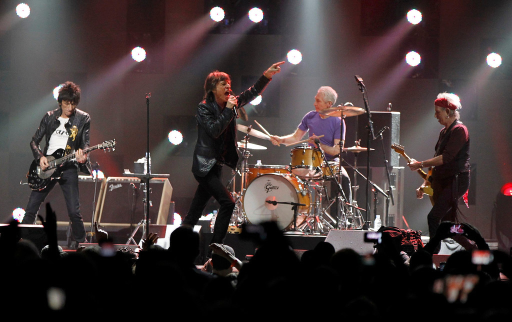 """. Ron Wood (L), Mick Jagger (2nd L), Charlie Watts and Keith Richards (R) of the Rolling Stones perform during the \""""12-12-12\"""" benefit concert for victims of Superstorm Sandy at Madison Square Garden in New York December 12, 2012.  REUTERS/Lucas Jackson"""