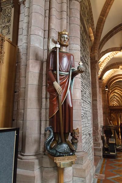 St. Magnus Cathedral, Kirkwall, Orkney - 11.jpg