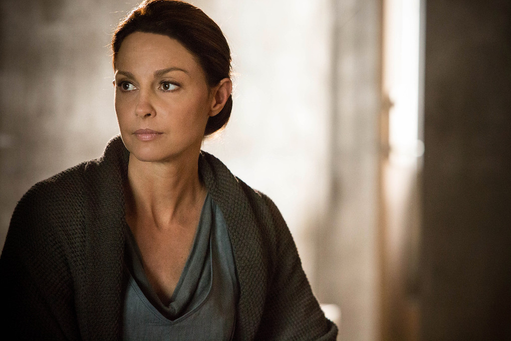 """. This image released by Summit Entertainment shows Ashley Judd in a scene from \""""Divergent.\"""" (AP Photo/Summit Entertainment, Jaap Buitendijk)"""