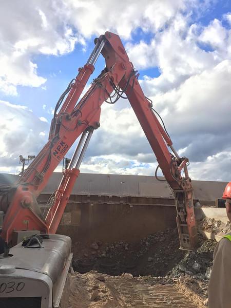 NPK B7500 pedestal boom system with GH series hydraulic hammer.jpg