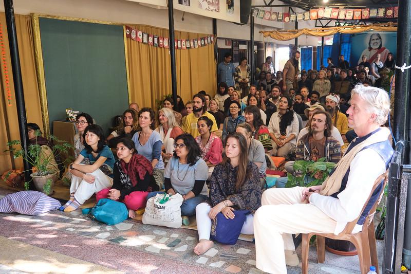 20200226_EV_IN_RIS_MwM_Dining_Bhajans_049.jpg