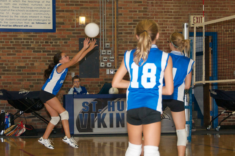 Hugo 5th Grade Volleyball  2010-10-02  13.jpg