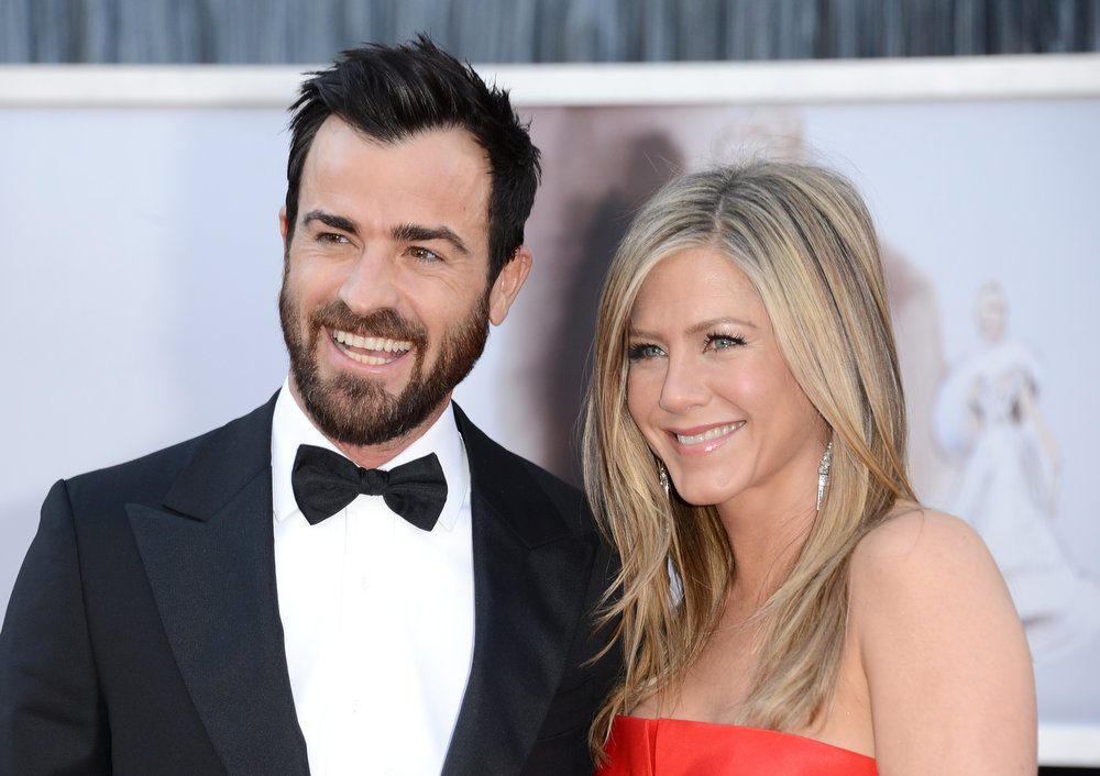 . Actors Justin Theroux and Jennifer Aniston arrive at the Oscars at Hollywood & Highland Center on February 24, 2013 in Hollywood, California.  (Photo by Jason Merritt/Getty Images)