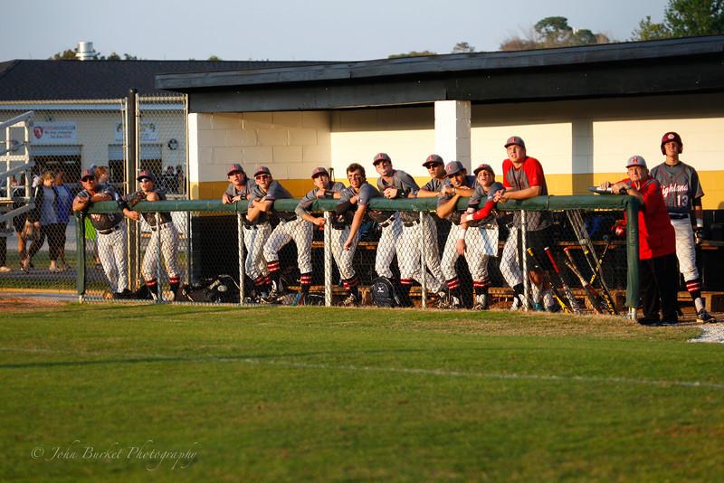 LHPS Var. Baseball vs University 2014