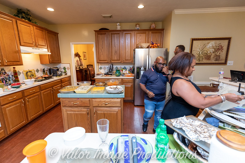 ©2019 Valor Image Productions Thankgiving Eve-14575.jpg