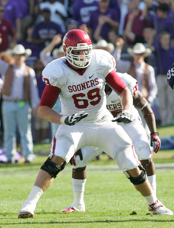 . Lane Johnson #69 of the Oklahoma Sooners in action against the TCU Horned Frogs at Amon G. Carter Stadium on December 1, 2012 in Fort Worth, Texas. (Photo by Rick Yeatts/Getty Images)