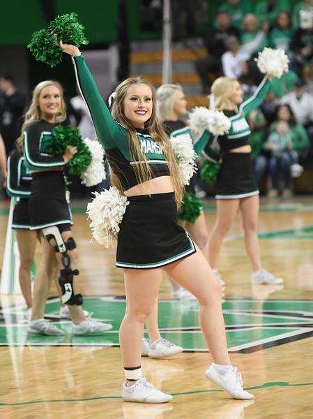 cheerleaders0907.jpg