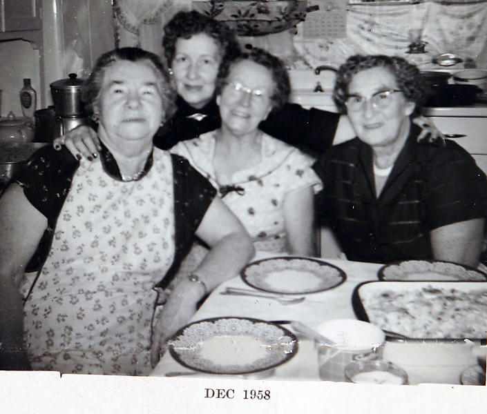 Grandma Laura, Aunt Mae & Aunt Hazel.JPG
