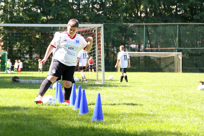 hsv_fussballschule-321_48047995148_o.jpg