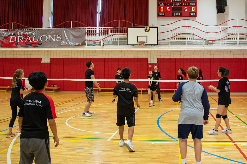 PE Leadership-Gr12 and Gr6 Volleyball Workshops-YIS_2617-2018-19.jpg