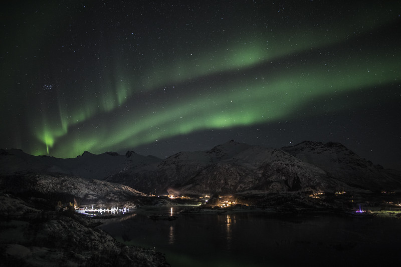 Feb2118   Aurora beyond Svolvear-9.jpg